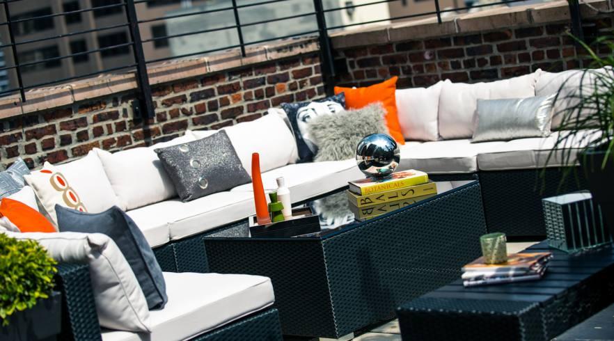 auf der rooftop-bar vom renaissance new york hotel 57