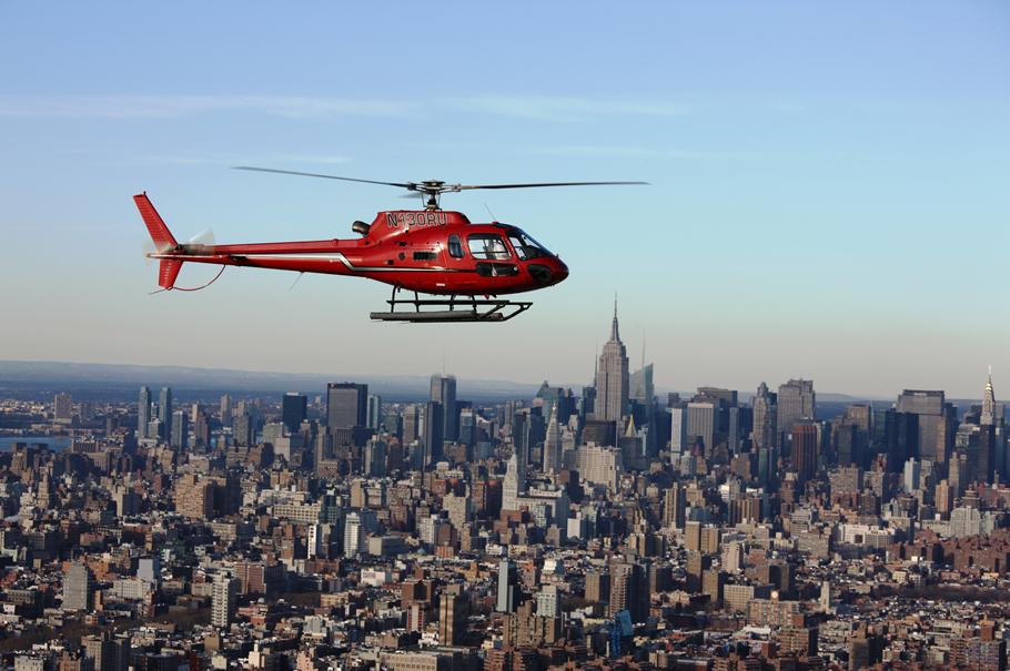 helicóptero sobre manhattan