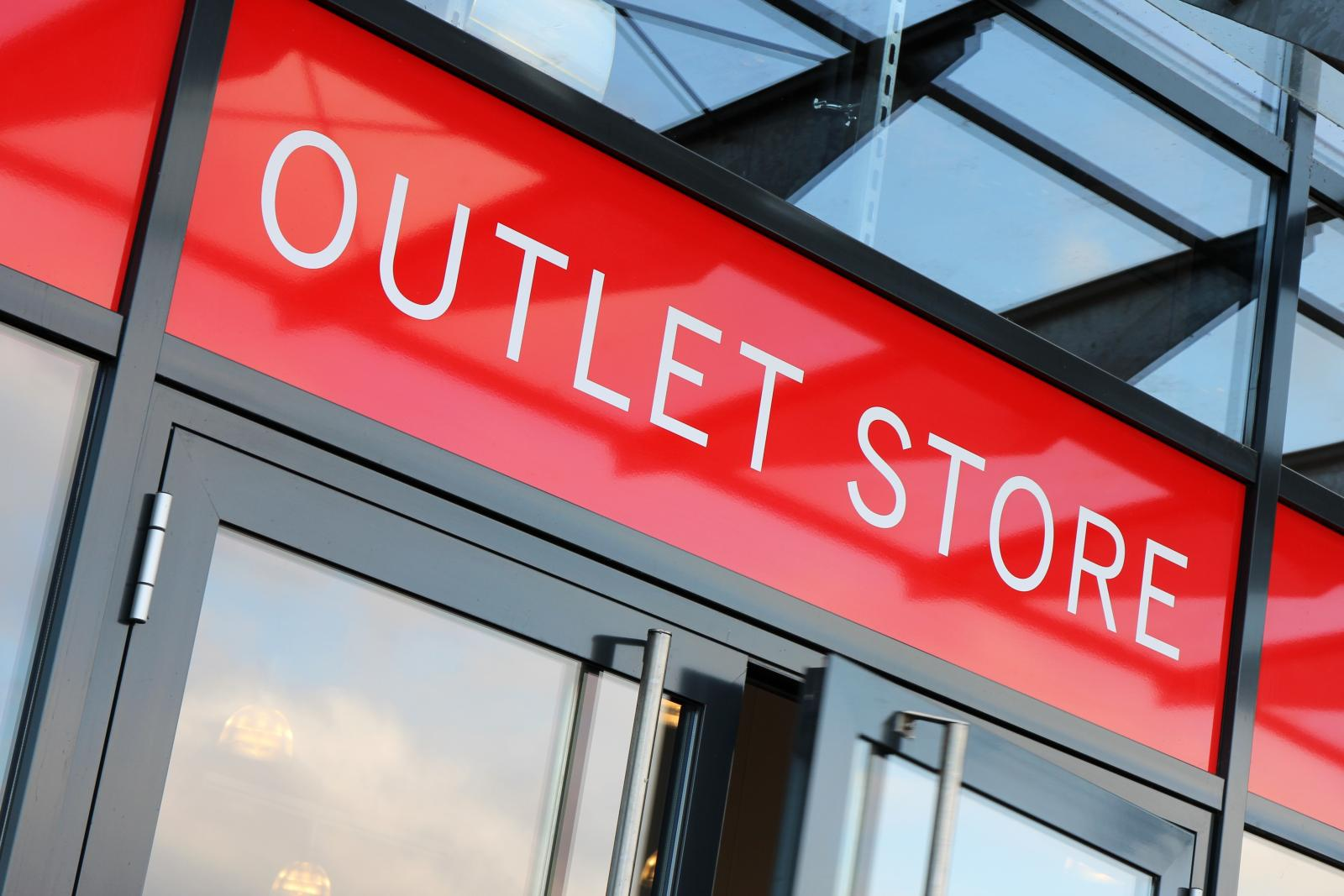 Outlet Store 02