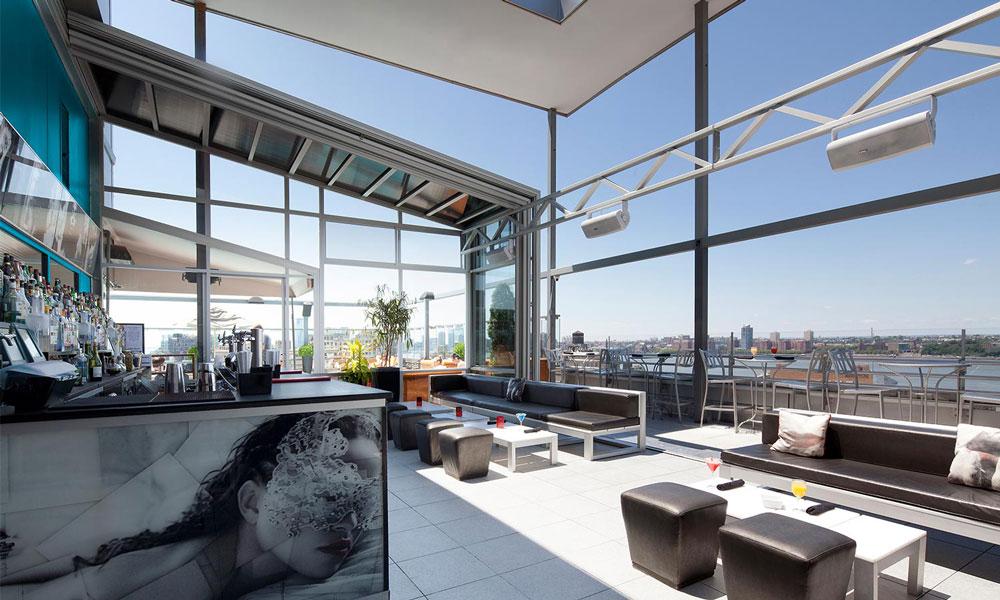 plunge rooftop-bar de día en nueva york