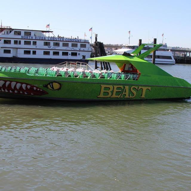 """Vuelta en lancha a Nueva York con la """"The Beast"""""""
