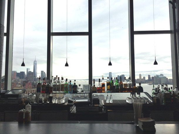 bar im the standard high line hotel new york