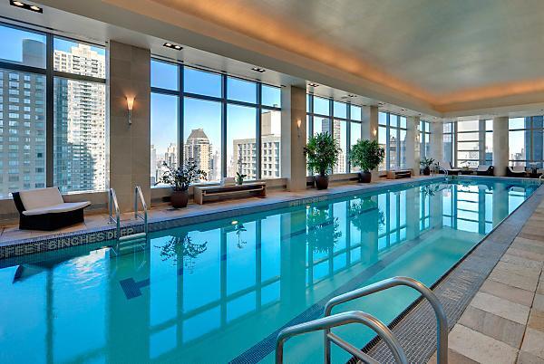 swimmingpool im mandarin oriental hotel