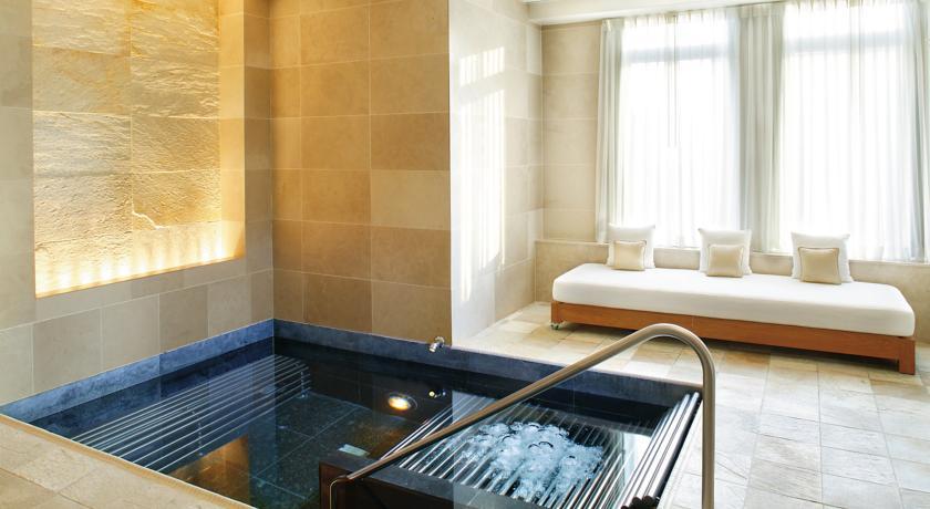 wellnessbereich im mandarin oriental hotel
