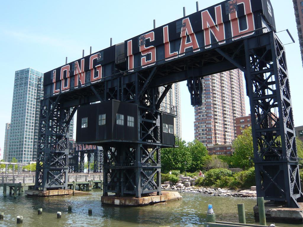 Cartel en el parque de Long Island, Nueva York