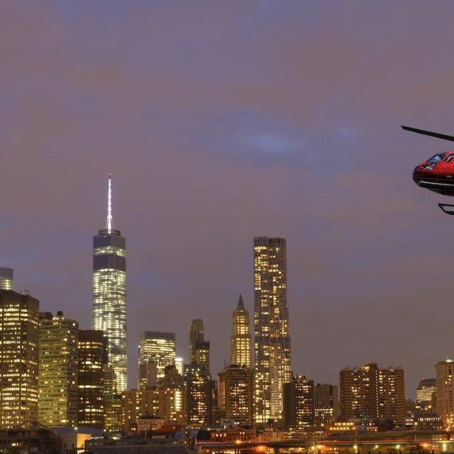 Vuelo nocturno en helicóptero en Nueva York + ruta en barco