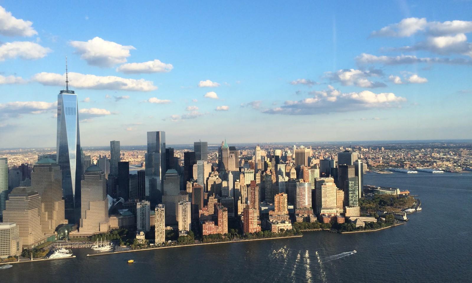 Skyline de Manhattan desde un paseo en helicóptero por Nueva York