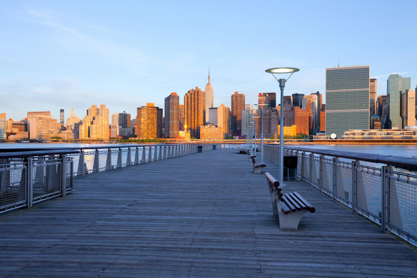 Parque en Long Island City: Gantry Plaza State Park en Queens, Nueva York