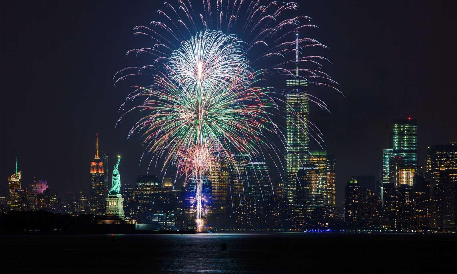 Fuegos artificiales en Nochevieja en Nueva York