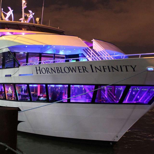 Hornblower Christmas Dinner Cruise New York: una cena de Navidad original