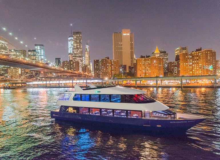 Cena en un barco en Nueva York: Nochevieja de lujo