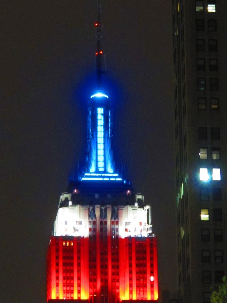 Iluminación Empire State Memorial Day