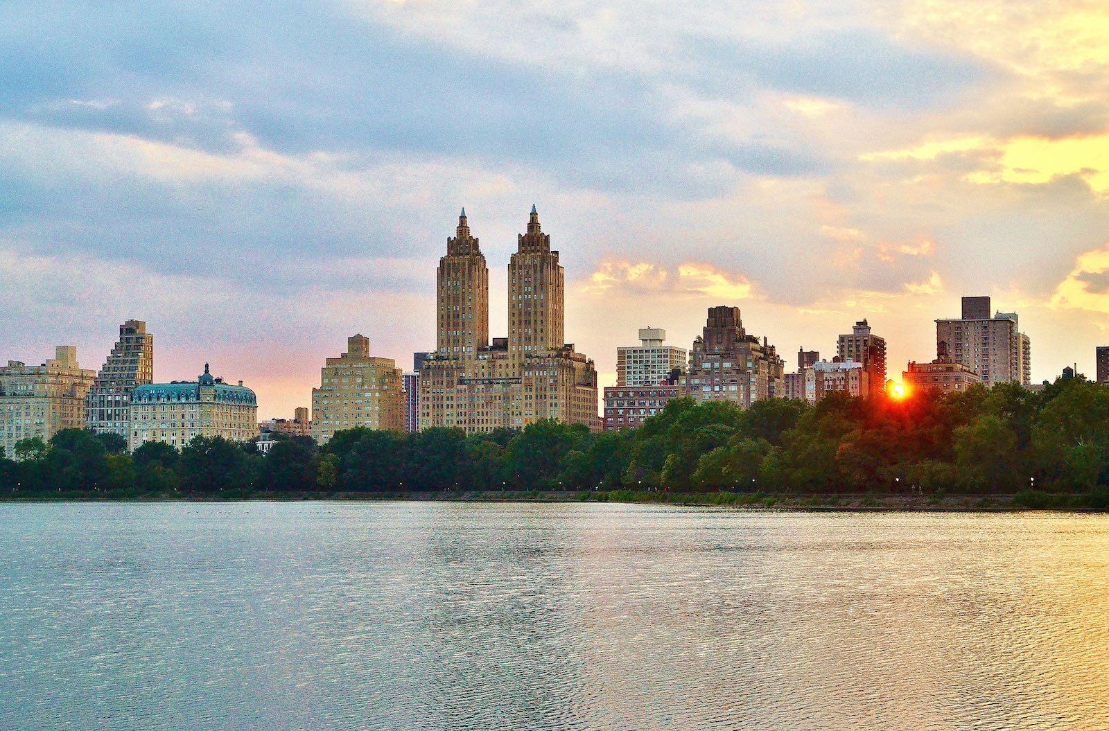 Anochecer en Central Park en verano