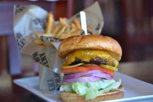 hamburgers-1312369_1280