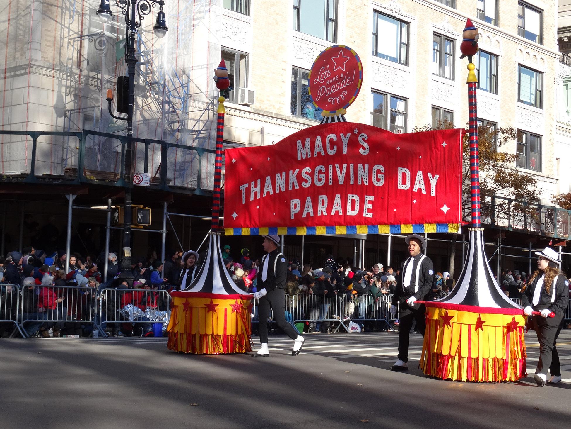 Macy S Thanksgiving Day Parade 2021 Acción De Gracias En Nyc