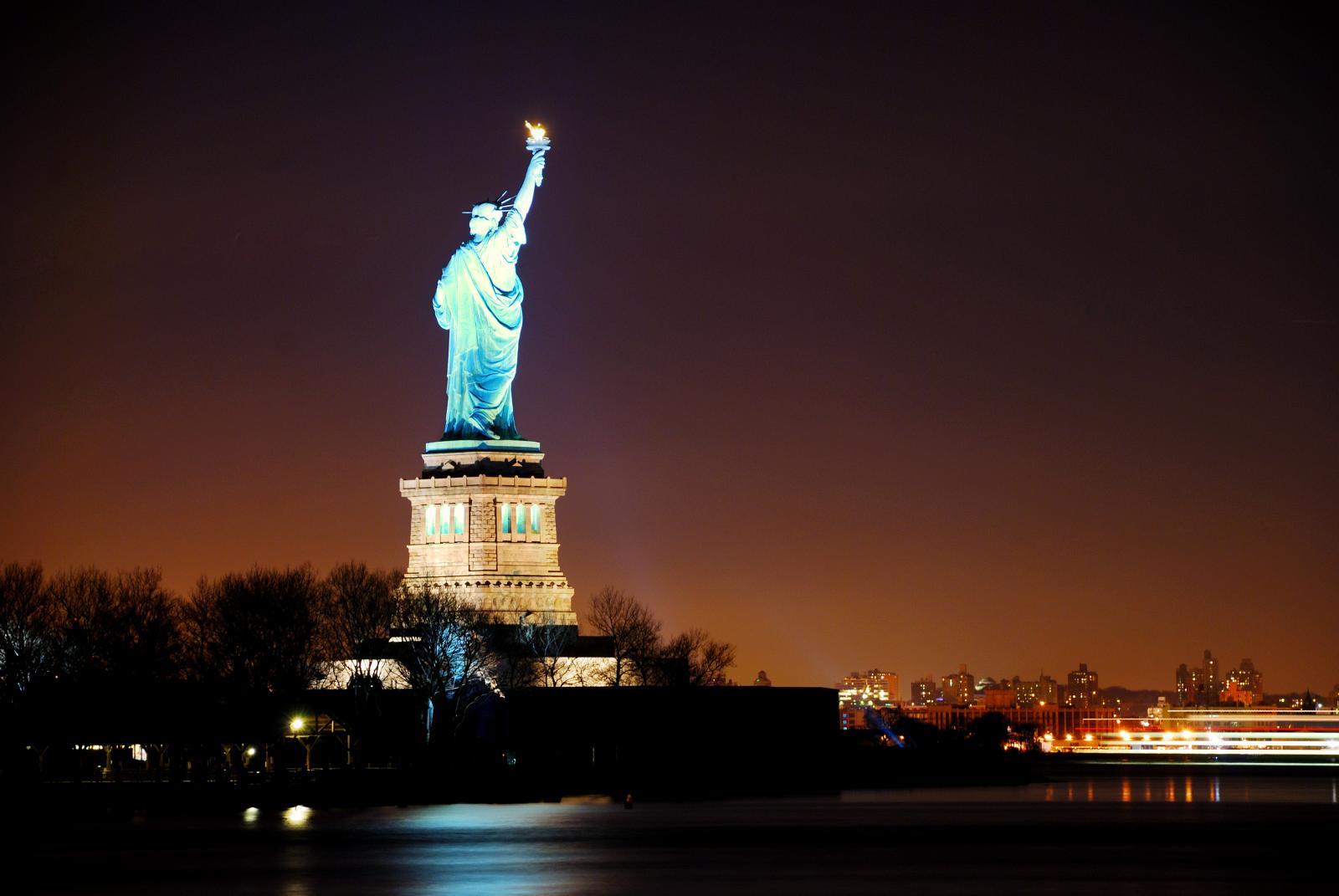 Tour nocturno por Nueva York en autobús y ferry