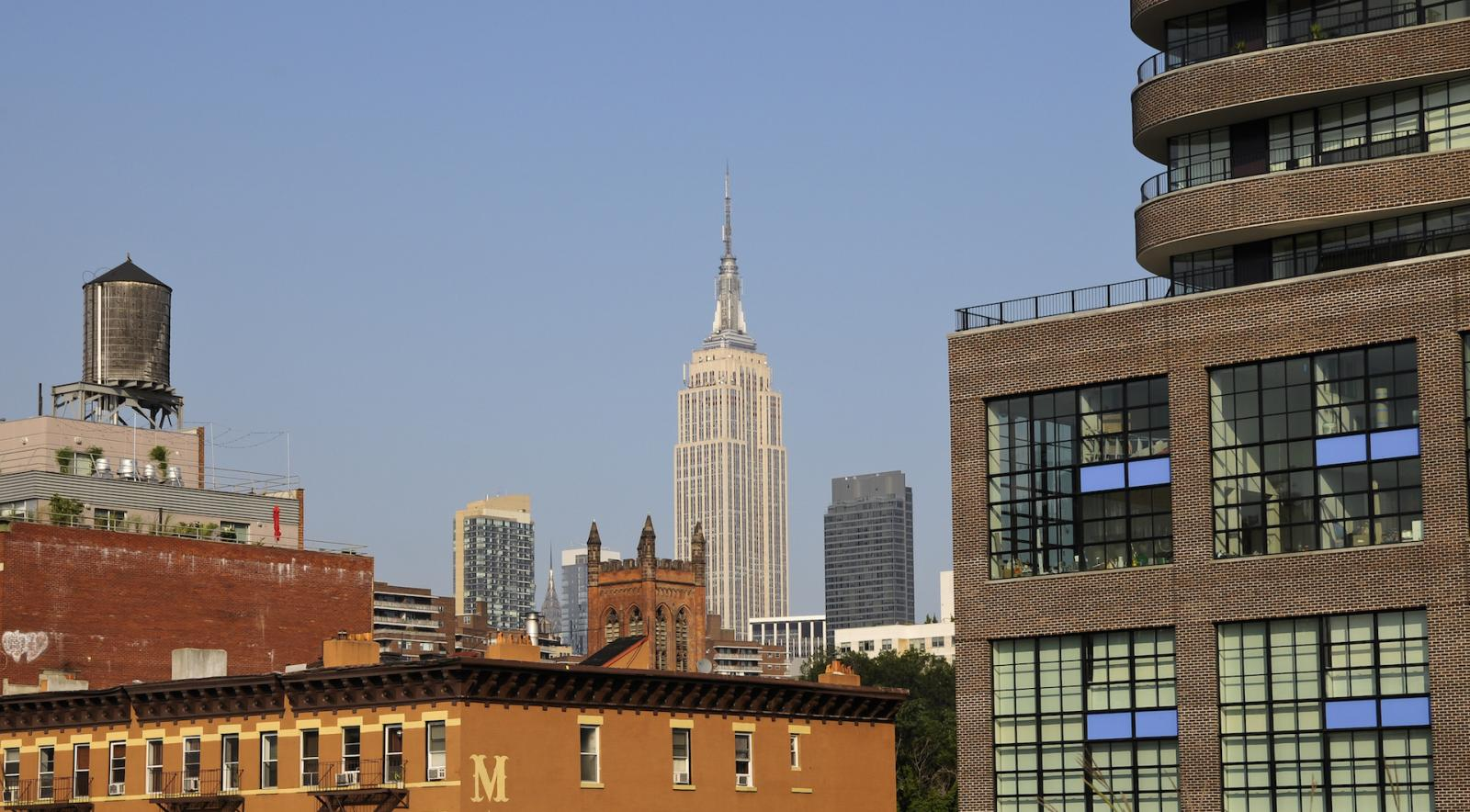 Vista del Empire State desde el High Line Park en el Meatpacking District