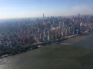 El Empire State en Nueva York desde el helicóptero